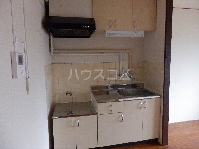 葵荘 101号室のキッチン