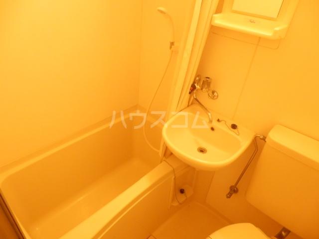 カーサU 103号室の風呂