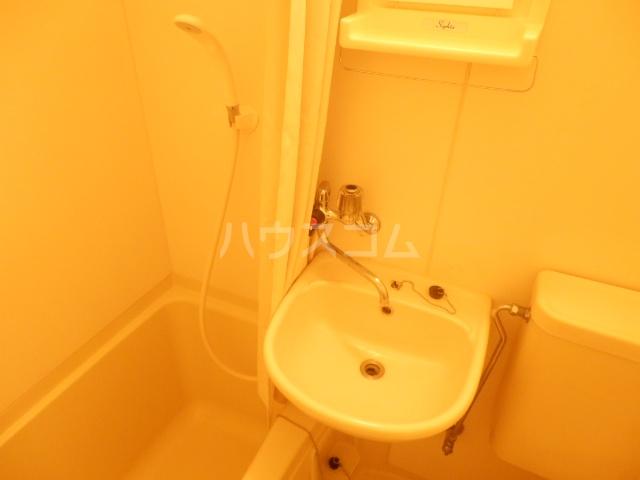 カーサU 103号室の洗面所
