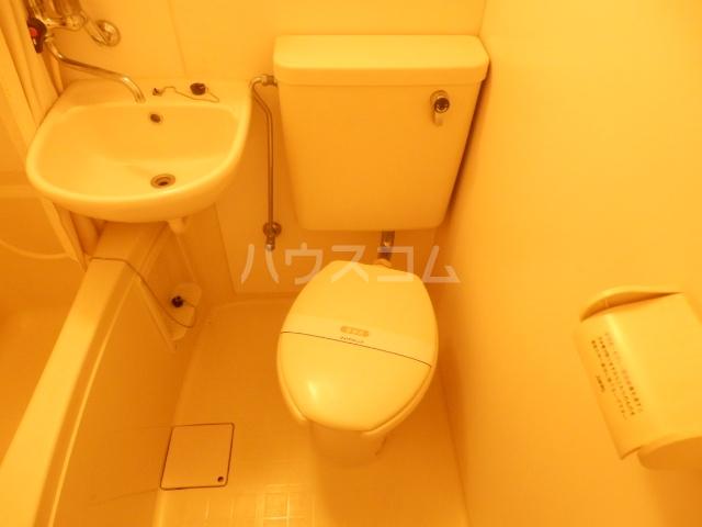カーサU 103号室のトイレ