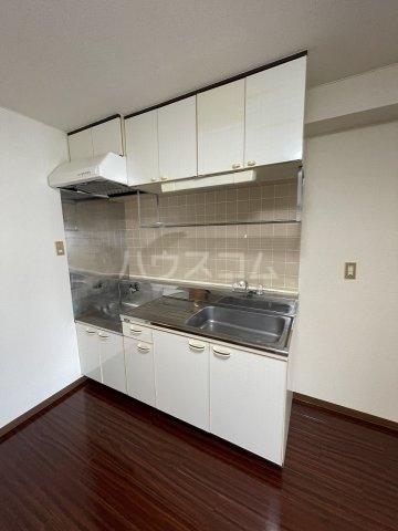 ラ・メゾンエスト 605号室のキッチン