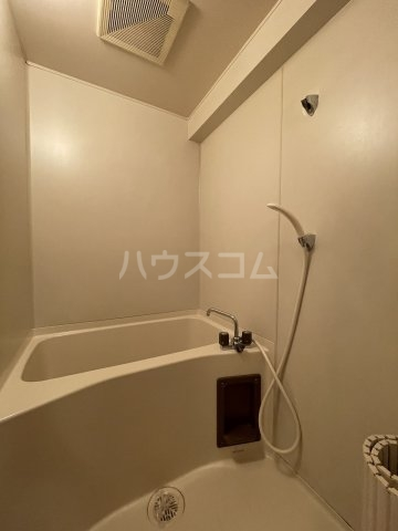 ラ・メゾンエスト 605号室の風呂