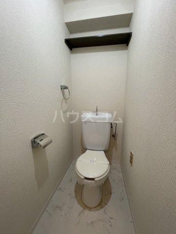 ラ・メゾンエスト 605号室の洗面所