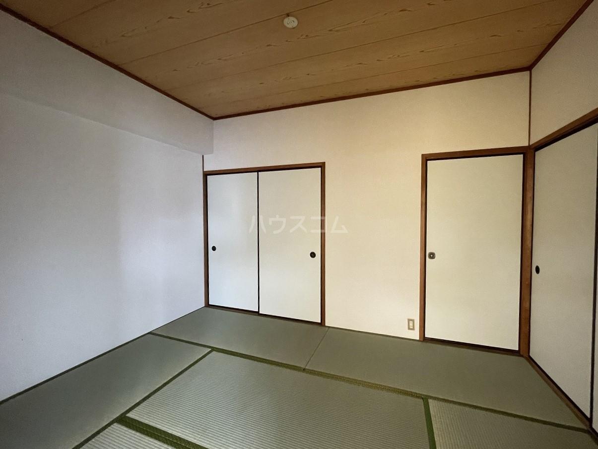 ラ・メゾンエスト 605号室の収納