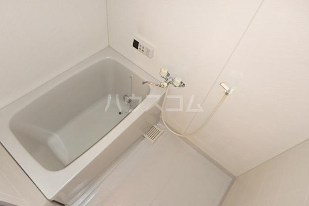 パラディーソ白壁 3B号室の風呂