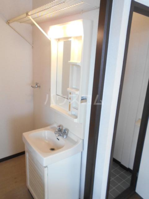 コーポサンテラスⅡ 101号室の洗面所