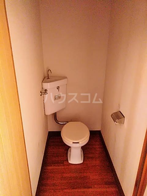 的場アパートつきみ野 104号室のトイレ