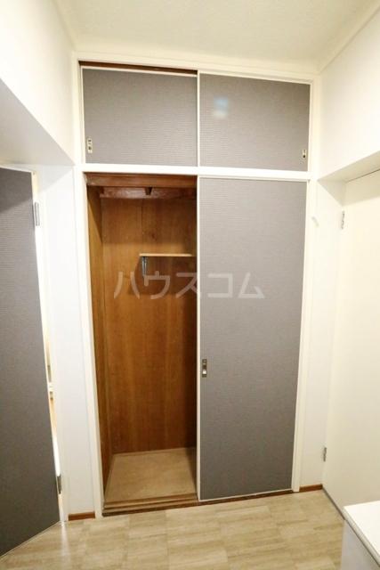 第二フタムラビル 302号室の収納