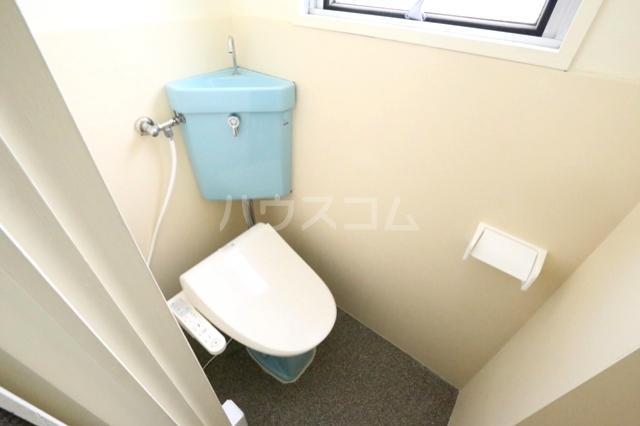 第二フタムラビル 302号室のトイレ