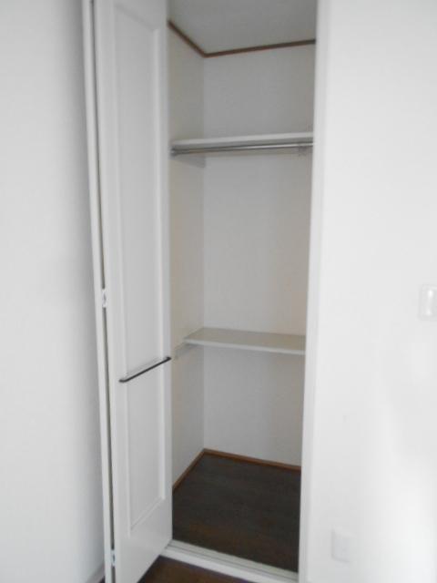 メゾン コリーナ 103号室の収納
