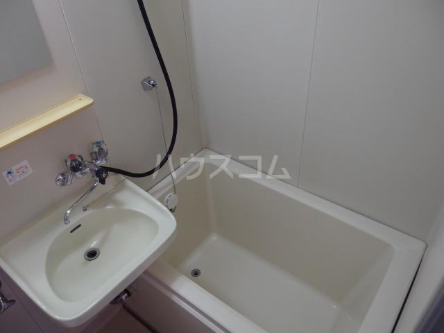 第5スザキハイツ 101号室の風呂