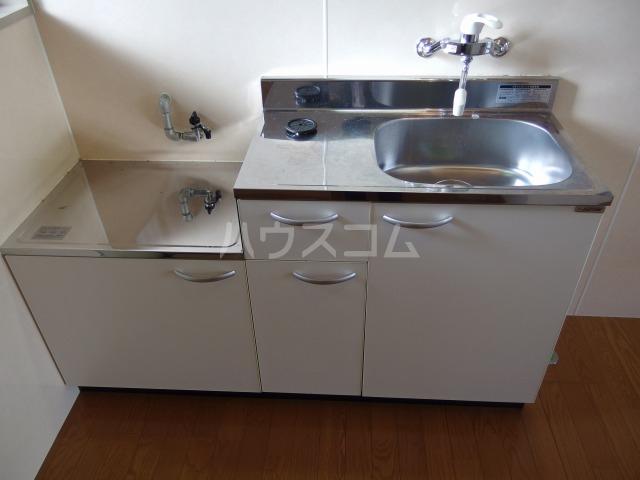 第5スザキハイツ 201号室のキッチン