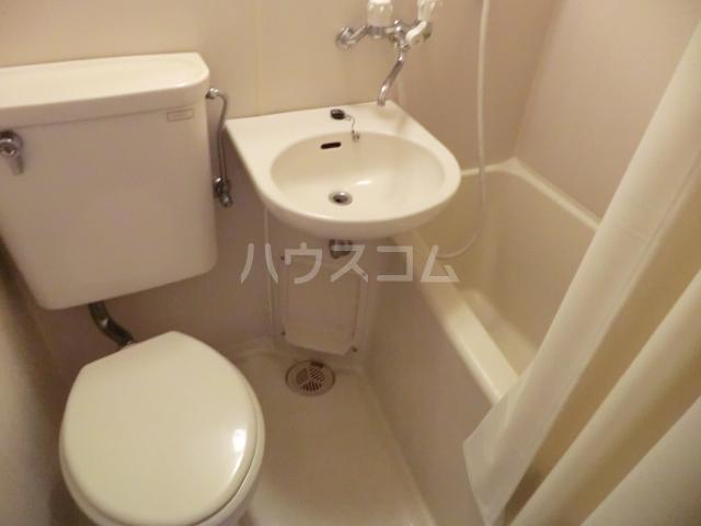 ラ・ジオン連光寺 203号室の風呂