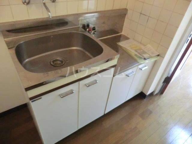 ラ・ジオン連光寺 203号室のキッチン