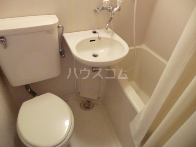 ラ・ジオン連光寺 203号室のトイレ