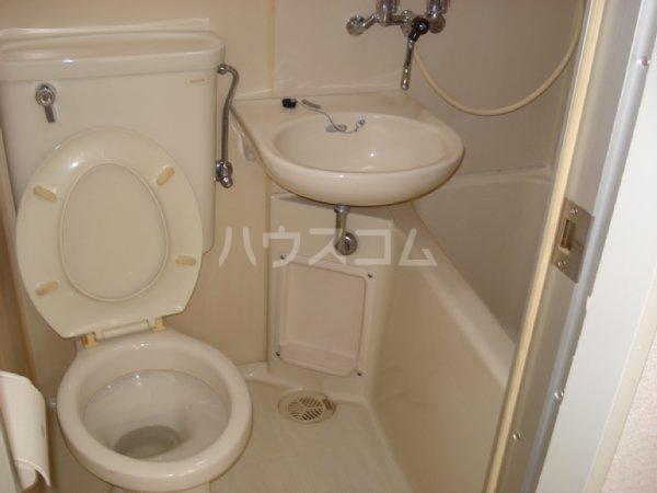 ラ・ジオン連光寺 203号室の洗面所