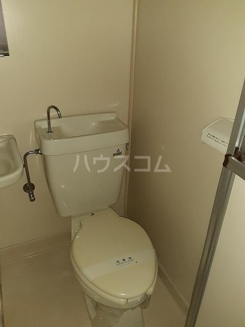 エルム高幡A棟 108号室のトイレ
