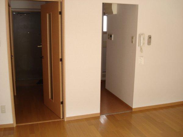 ガーデンビュー石神C聖蹟 307号室の居室