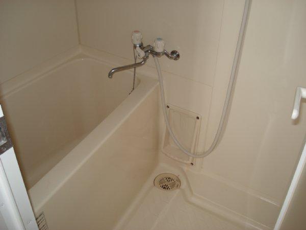ガーデンビュー石神C聖蹟 307号室の風呂