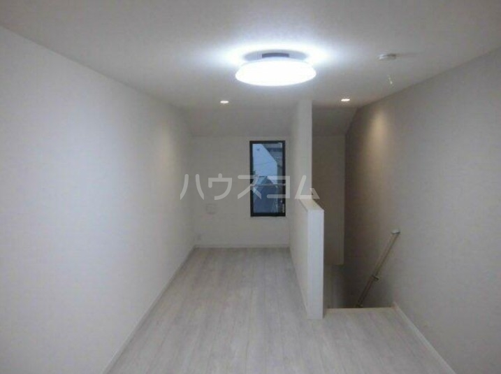 Presi桜新町Ⅱ 203号室のリビング