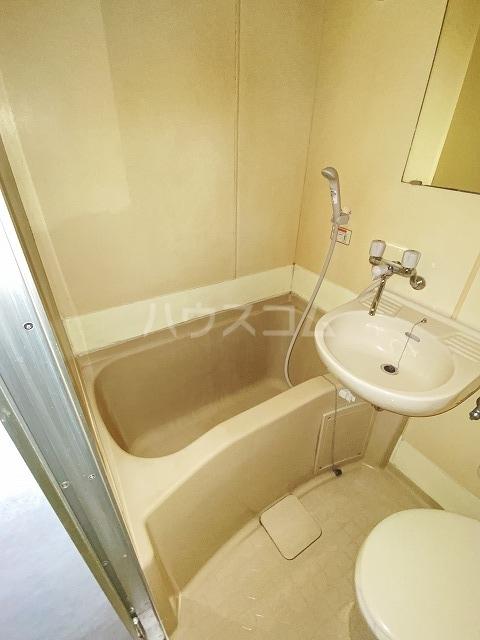 JLBグランエクリュ駒沢大学 105号室の風呂