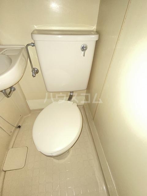 JLBグランエクリュ駒沢大学 105号室の洗面所
