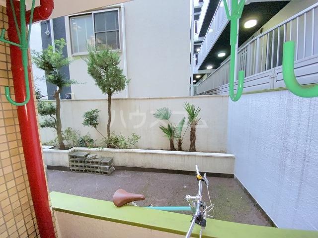 JLBグランエクリュ駒沢大学 105号室のバルコニー