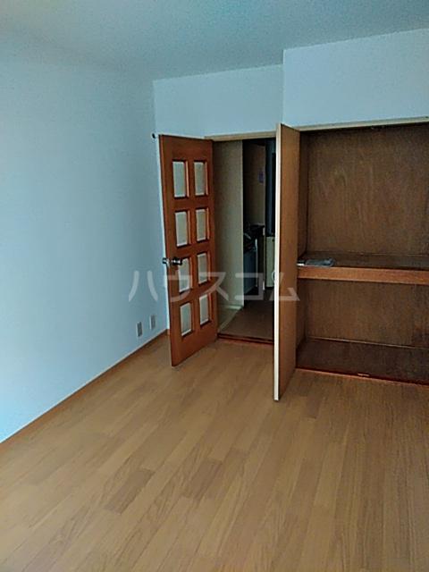 永山フラワーマンション 103号室のリビング