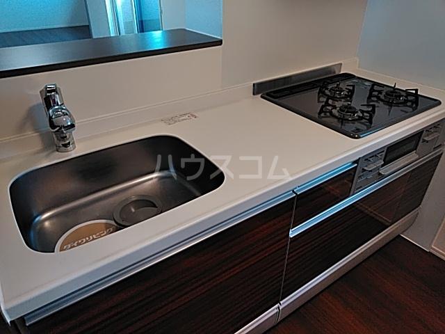 彩 A 205号室のキッチン