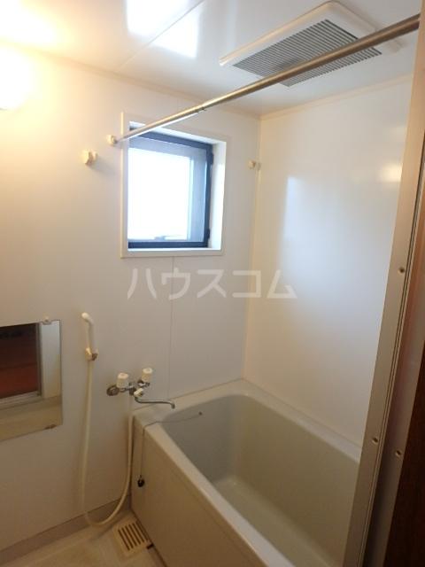 エミネント 102号室の風呂