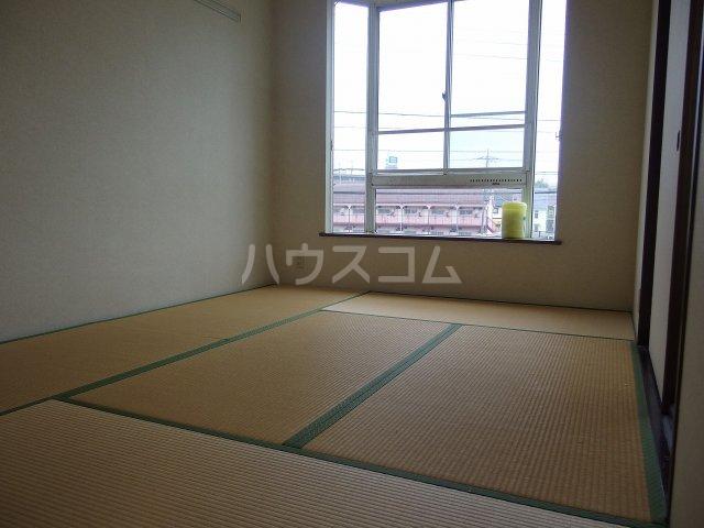 グレース桜ヶ丘 101号室の居室