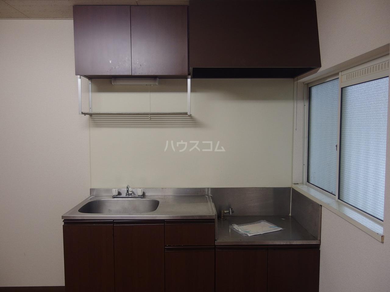 グレース桜ヶ丘 101号室のキッチン