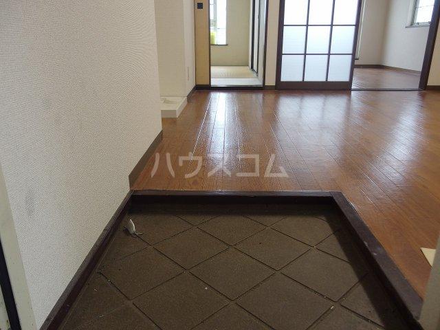 グレース桜ヶ丘 101号室の玄関