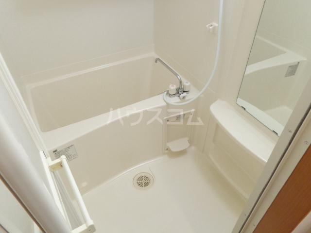 リヴィエール 101号室の風呂