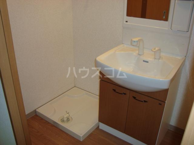 リヴィエール 101号室の洗面所