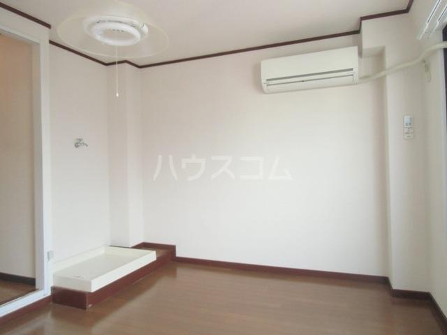 コーポ杉栄Ⅲ 4A号室のリビング