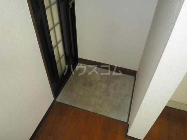テオピレス 1-D号室の玄関
