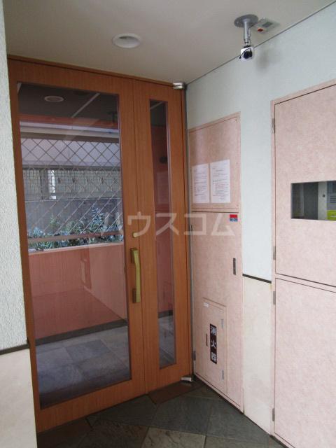 エイセンレジデンス 303号室のエントランス