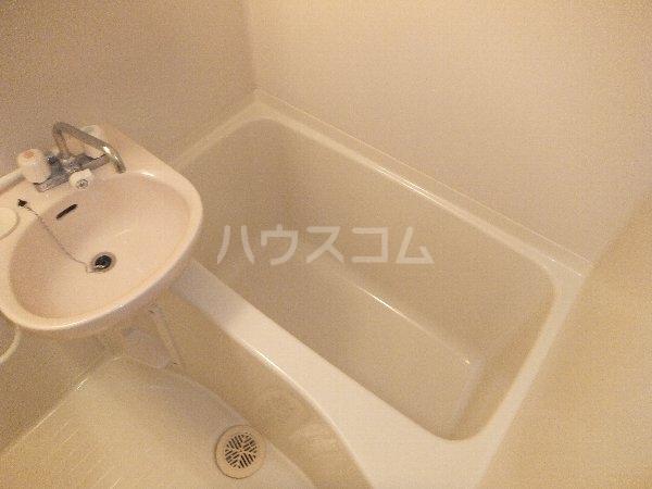 コーポ東海 203号室の風呂