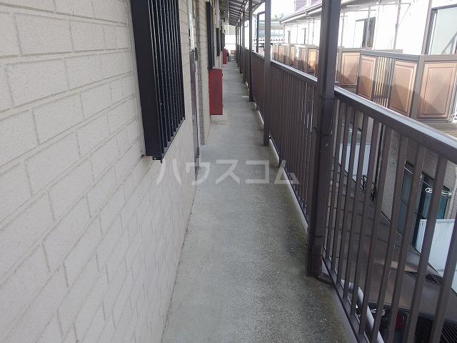 シャルマンハウス石田2号館 205号室のロビー