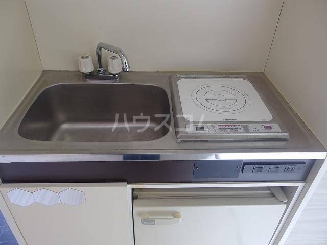 シャルマンハウス石田2号館 205号室のキッチン