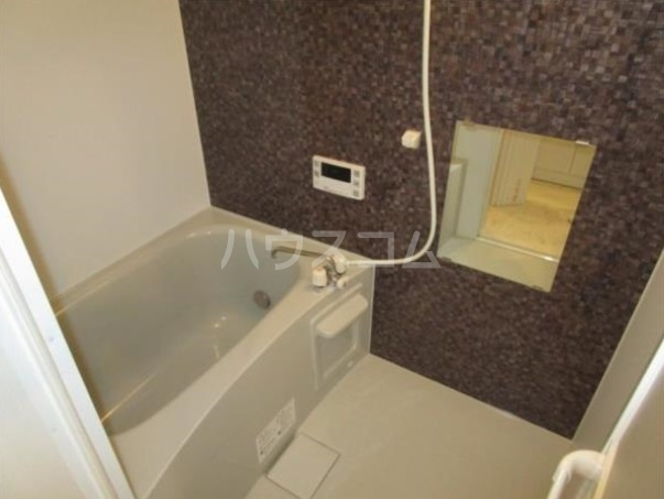 ルメール百草 103号室の風呂