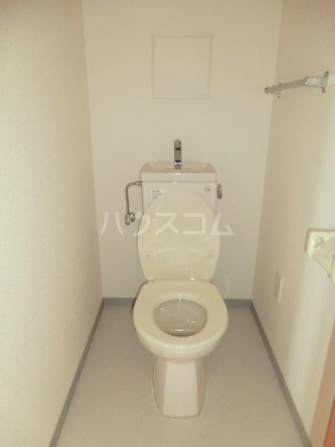 ディアコート 301号室のトイレ
