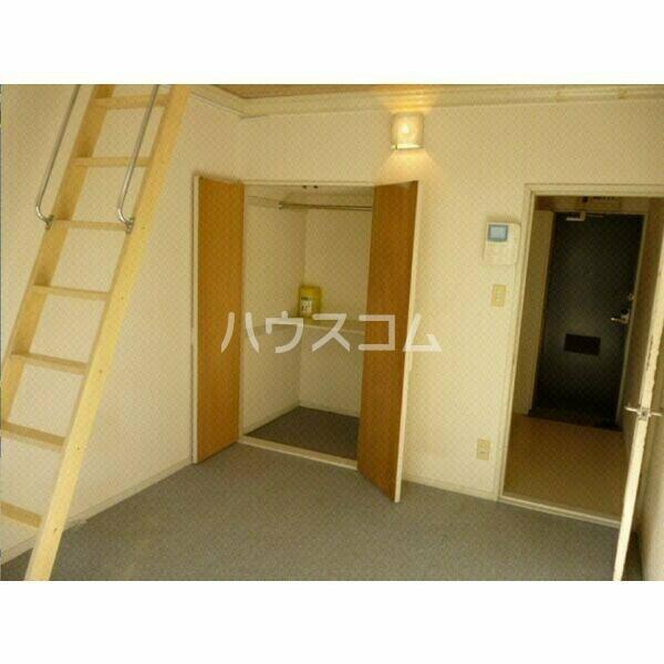 ガーデンハイツ八田 104号室のベッドルーム