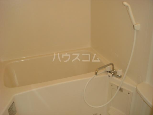 パルティール横濱 503号室の風呂