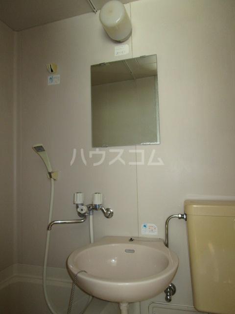 アドアビレッヂ 105号室の洗面所