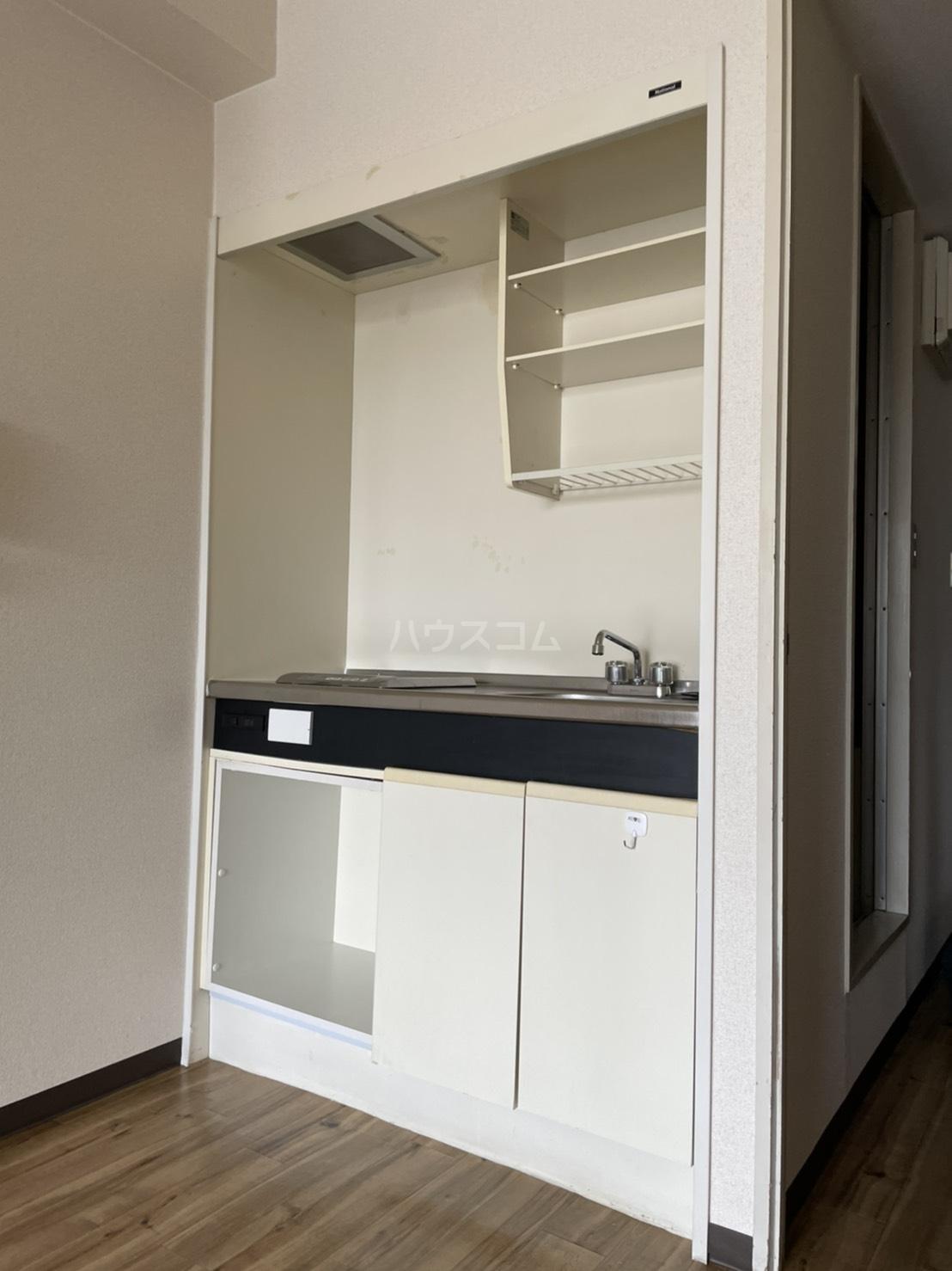 コスモポリタン'90 4C号室のキッチン