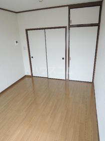 シティハイム松木 205号室のリビング