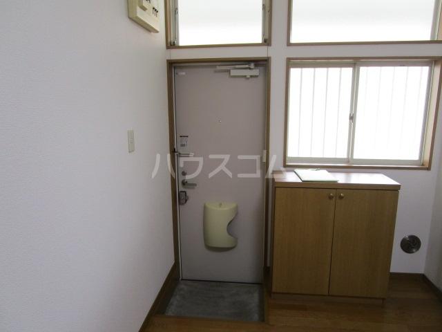 ベーネ1 203号室の玄関