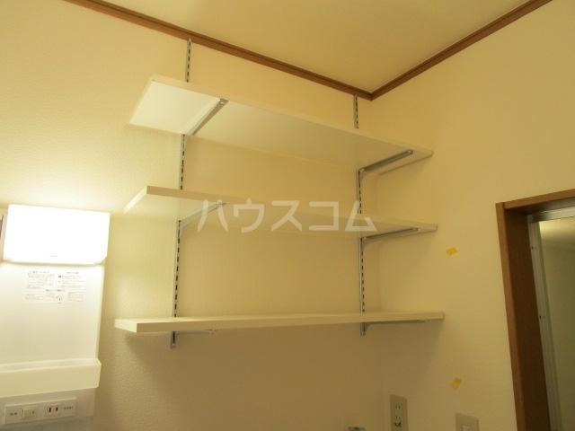 ベーネ1 203号室の居室